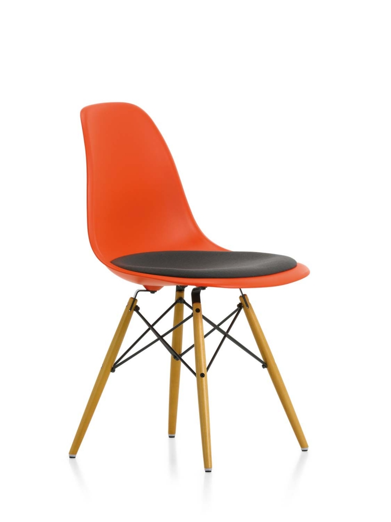 Eames Plastic Side Chair DSW_layout00012F63